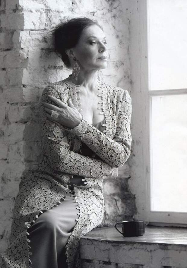 Как выглядела в детстве Людмила Чурсина и как преображалась ее нетленная красота