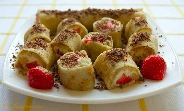 Вкусные и лёгкие сладкие роллы с творожно-фруктовой начинкой