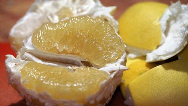Диетолог Титова перечислила опасные продукты для сезонных аллергиков