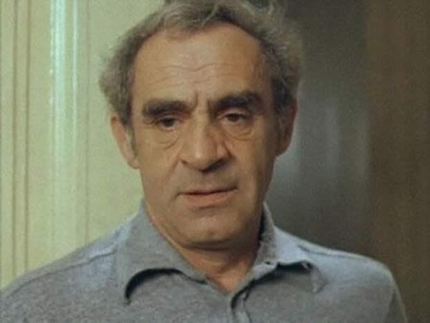 Странные взрослые (1974)