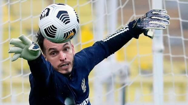 Бутса — вправо, мяч — влево. Соболев забил оригинальный пенальти Гильерме на тренировке