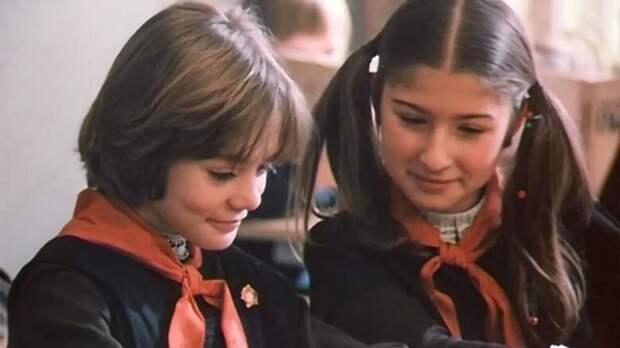 """Конечно же, брамбрулет жарится только на петеяровом масле. Но это фантастика. Кадр из фильма """"Гостья из будущего""""."""
