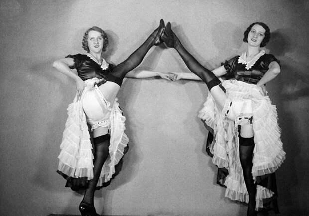 18 редких старинных фотографий танцовщиц кан-кана из Мулен Руж