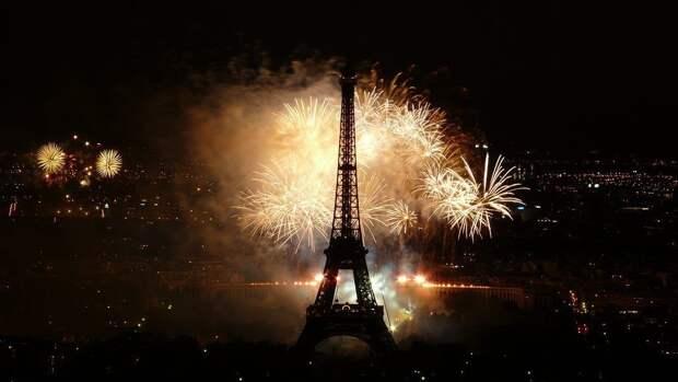 Глава Минздрава Франции назвал лучший способ встретить Новый год в пандемию