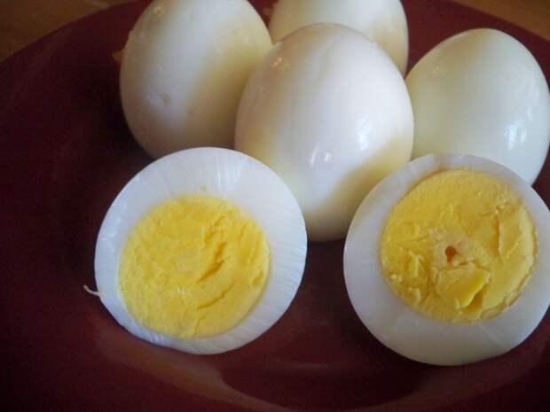 Как сварить яйцо вкрутую без скорлупы