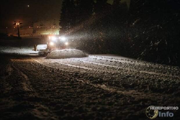 Певицу Майли Сайрус преследовала летающая снегоуборочная машина
