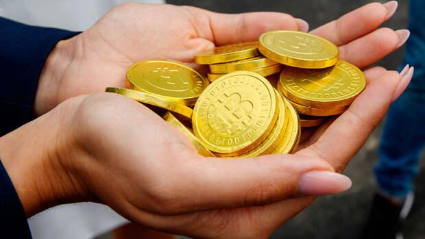 Цена биткоина упала почти на 11%