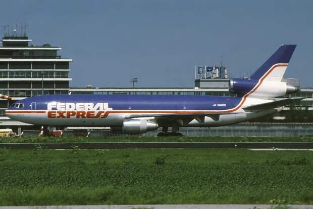 McDonnell Douglas MD-10-30(F) Federal Express (FedEx) N306FE, AMS Amsterdam (Schiphol), Netherlands PP1262199607.jpg