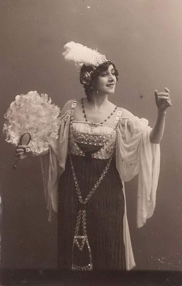 Но буквально через несколько дней прибывшая в Париж Анна Павлова потребовала, чтобы партия Армиды досталась ей. Каралли покинула труппу и вернулась в Россию.