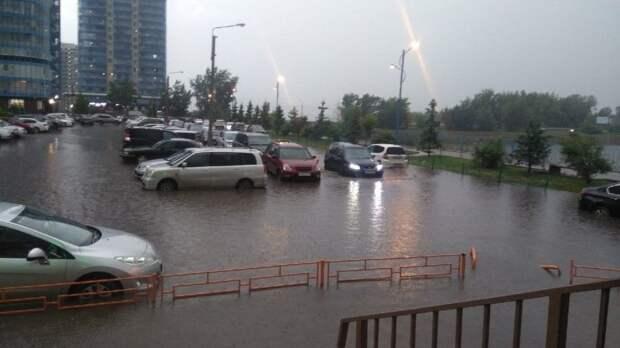 Плывем! Вслед заКрымом мощное наводнение накрыло Красноярск— видео