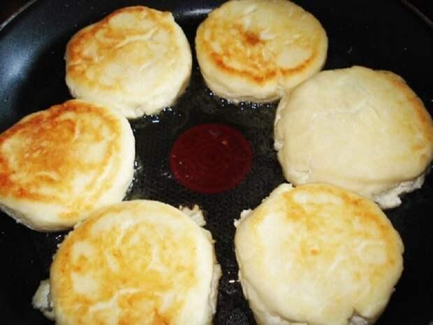 как приготовить сырники со сгущенкой