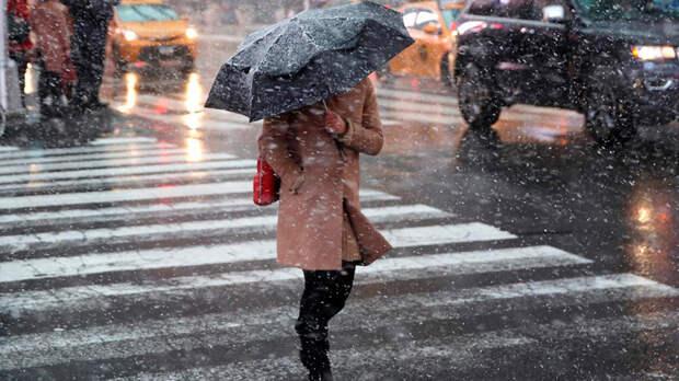Жителей Петербурга предупредили о гололедице и мокром снеге 20 октября