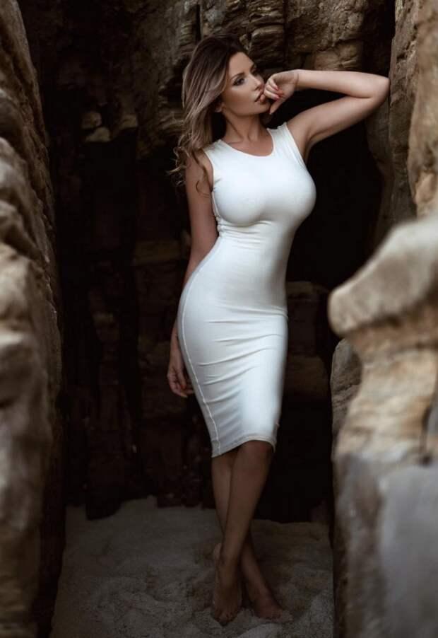 Девушки в красивых платьях девушки, красота, платья
