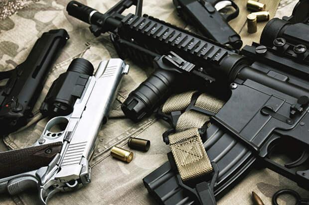Следственный комитет начал проверку после выстрела мужчины в подростка на Челобитьевском