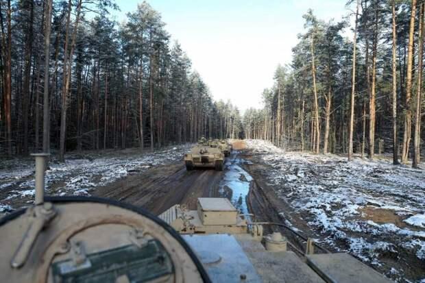 «Поленились сменить камуфляж»: литовские пользователи об американских танках в лесах Литвы