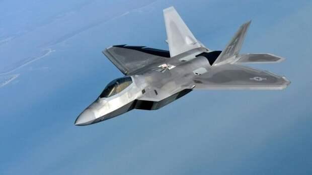 Падение F-22 Raptor: США потеряли дорогую и капризную игрушку