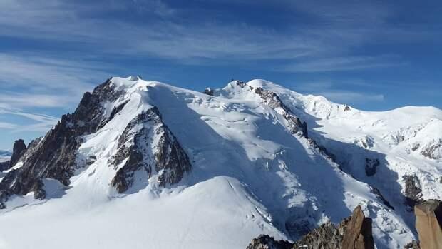 Врач-реабилитолог Григорий Жежа назвал способы спастись от обморожения в горах