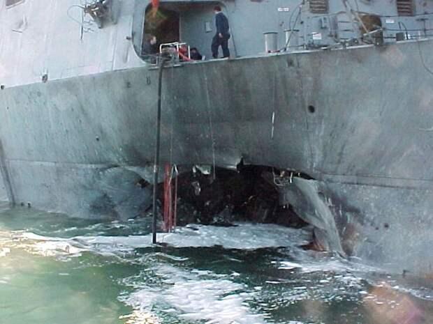 Крушение эсминца «Коуэлл». Источник https://images.app.goo.gl/SnjyVbaiZcECkYUq8