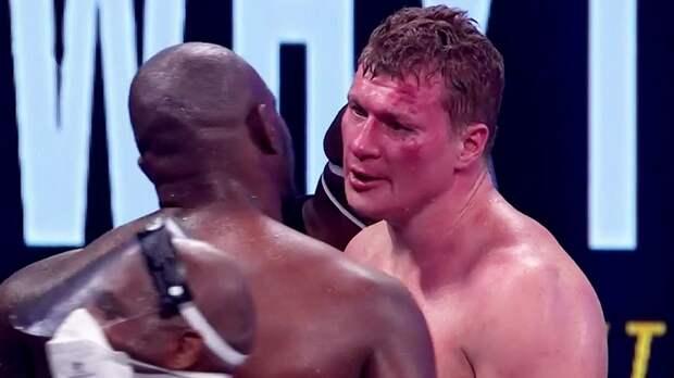 Уайт посетил раздевалку Поветкина и попросил обменяться с ним боксерскими шортами