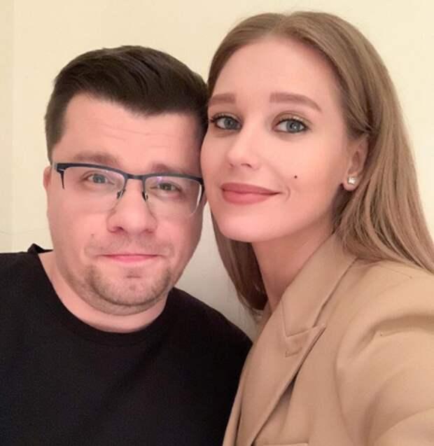 Харламов и Асмус делят особняк на Рублёвке за 100 млн рублей