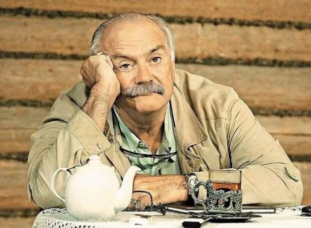 Никита Михалков предложил Ольге Бузовой работу билетерши во МХАТе