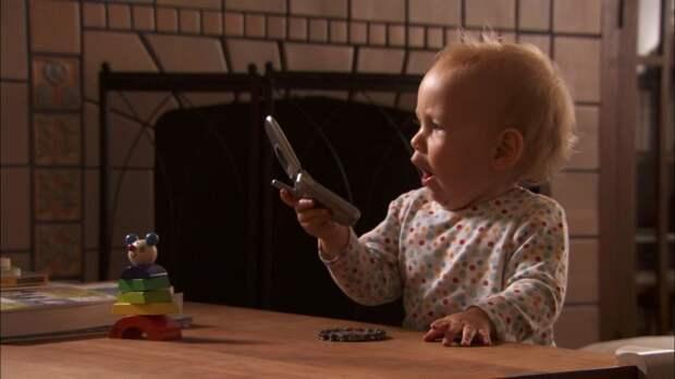 Как вы справляетесь с желанием слать всем друзьям фотки ребёнка?