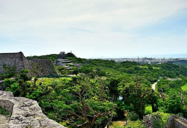 Замок Накагасуку. Первый каменный замок Японии.