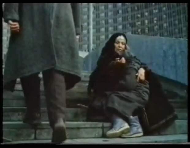 "С.Светличная. Кадр из фильма ""Дом на камне"", 1994 год"