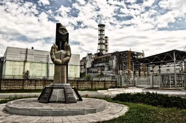 В чернобыльской зоне спустя 35 лет после аварии процветает туризм