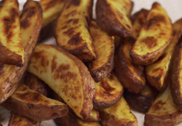 Картошка с хрустящей корочкой: держим перед жаркой в горячей воде