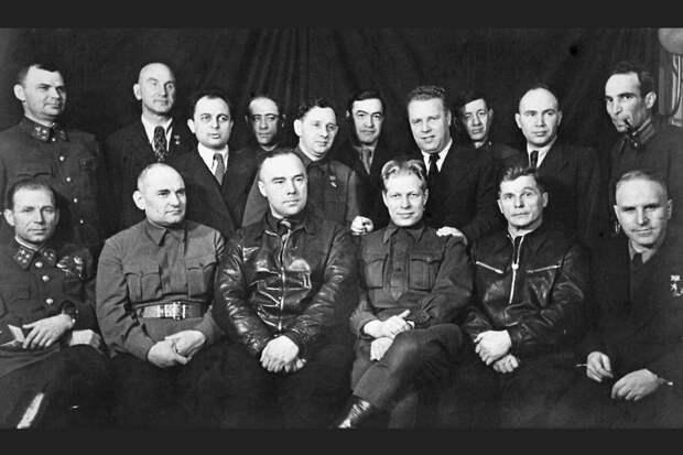 Ливенцы отказались разменивать бюст Поликарпова на монумент Николая Чудотворца