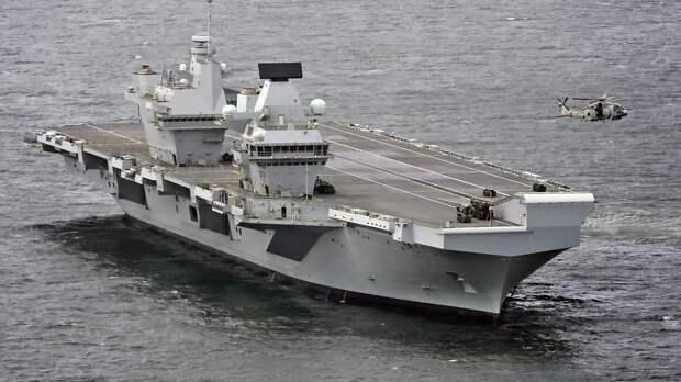 Дорогостоящий британский авианосец Queen Elizabeth снова дал течь