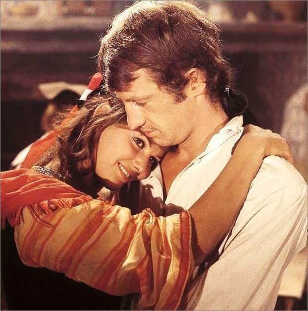 """Несравненная Клаудия Кардинале на съемках фильма """"Картуш"""" (1962)."""
