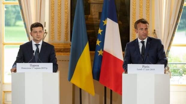 Зеленский и президент Франции обсудили членство Украины в НАТО