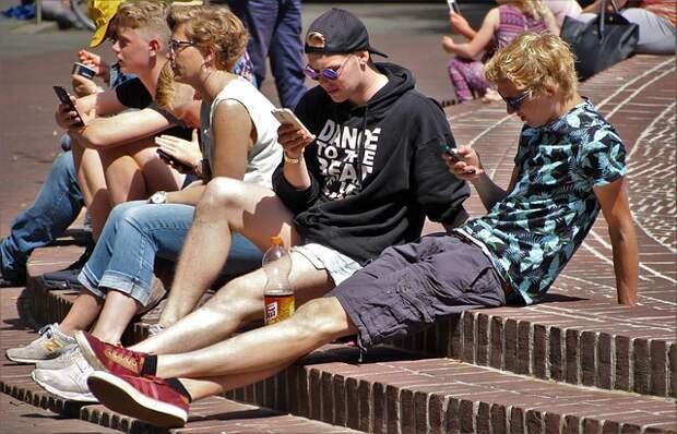 Смартфоны могут провоцировать развитие косоглазия!