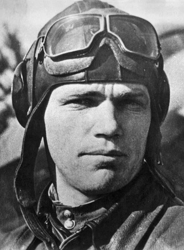 8 июня 1920 года родился Иван Никитович Кожедуб — лётчик-истребитель, трижды Герой Советского Союза.