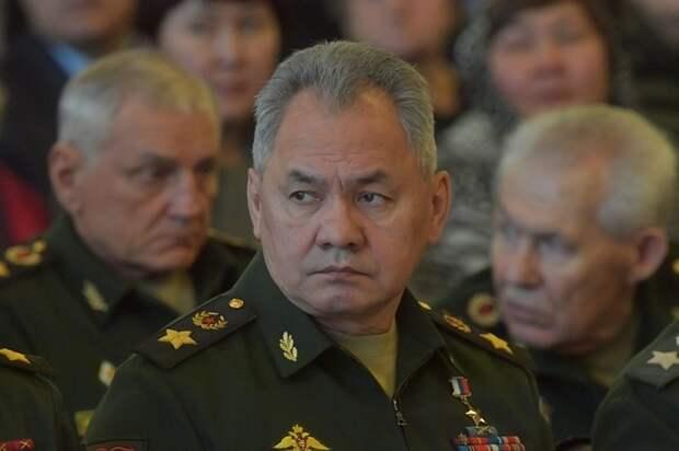 Шойгу рассказал о вакцинации от коронавируса в армии