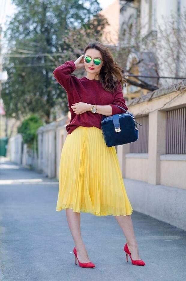 Яркий акцент в образе: как носить желтый цвет