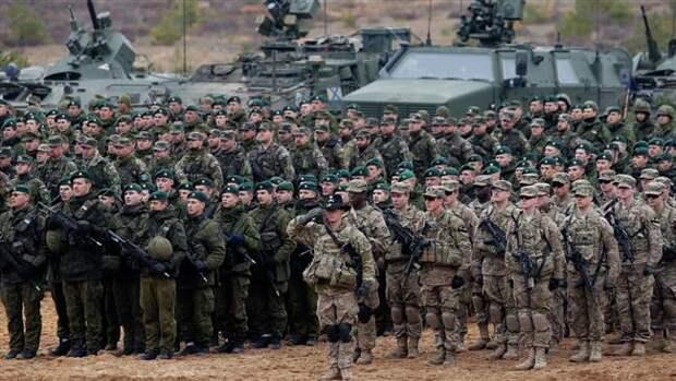 """НАТО готовится """"душить"""" Россию многотысячной «Анакондой»"""