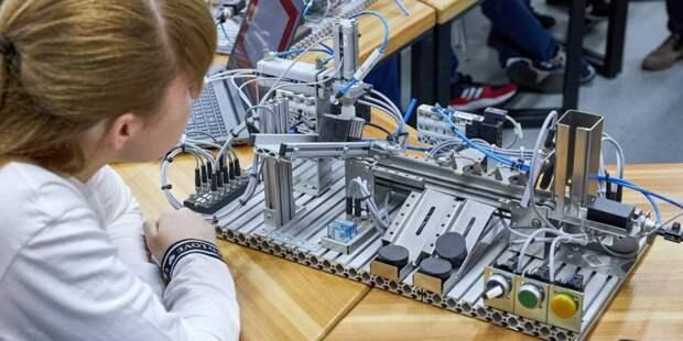 Сергунина: К новому учебного году детские технопарки Москвы подготовили цикл мастер-классов для всей семьи