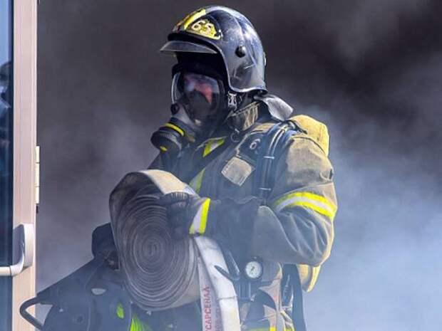Человек скончался в загоревшейся квартире на юго-западе Москвы