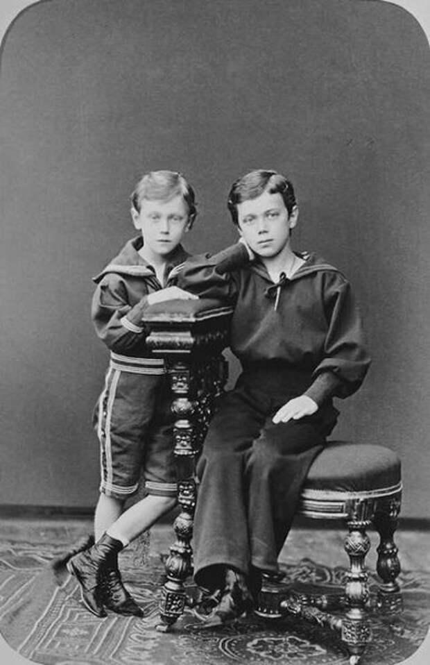 Николай II и Георг V в детстве. | Фото: historicplay.livejournal.com.