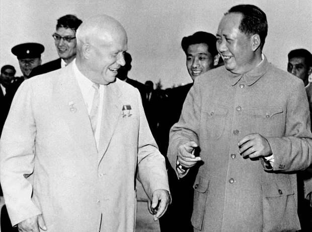 Почему Хрущёв рассорился с «вождём» Китая Мао Цзэдуном