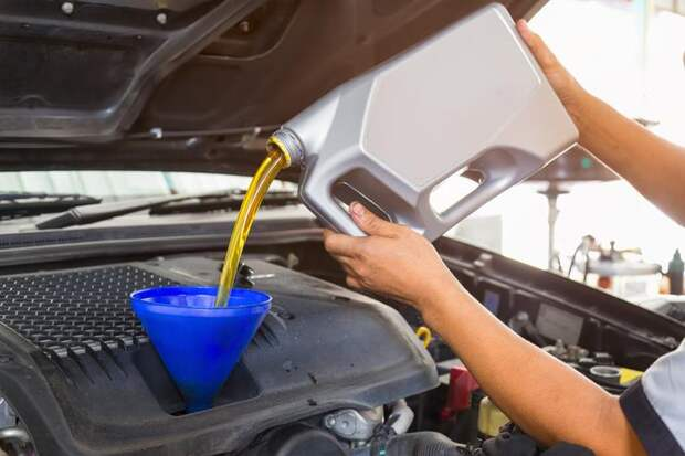 Стоит ли менять масло в двигателе чаще, чем рекомендует производитель