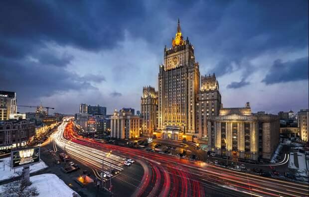 Западная медиаагрессия требует ответа - почему российский МИД молчит?