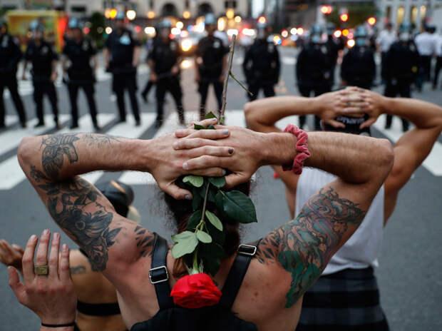 """""""Ночью начинается ад"""": житель Нью-Йорка рассказал о новом американском хаосе"""