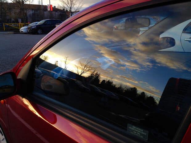 Что будет если смотреть в отражение на окне машины?