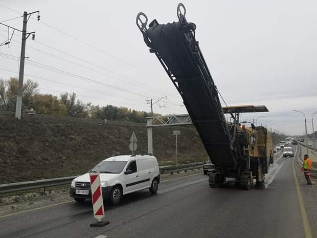 НаБорском мосту вНижнем Новгороде начали ремонт покрытия