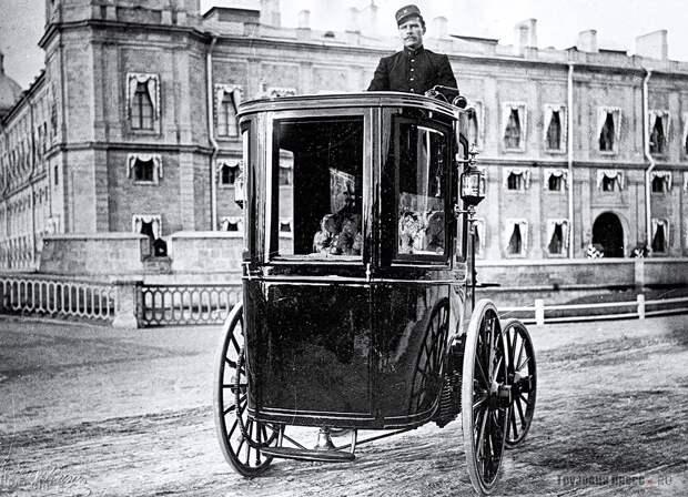 Первый отечественный электромобиль
