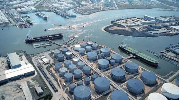 Значительно больше прогноза увеличились запасы нефти вСША